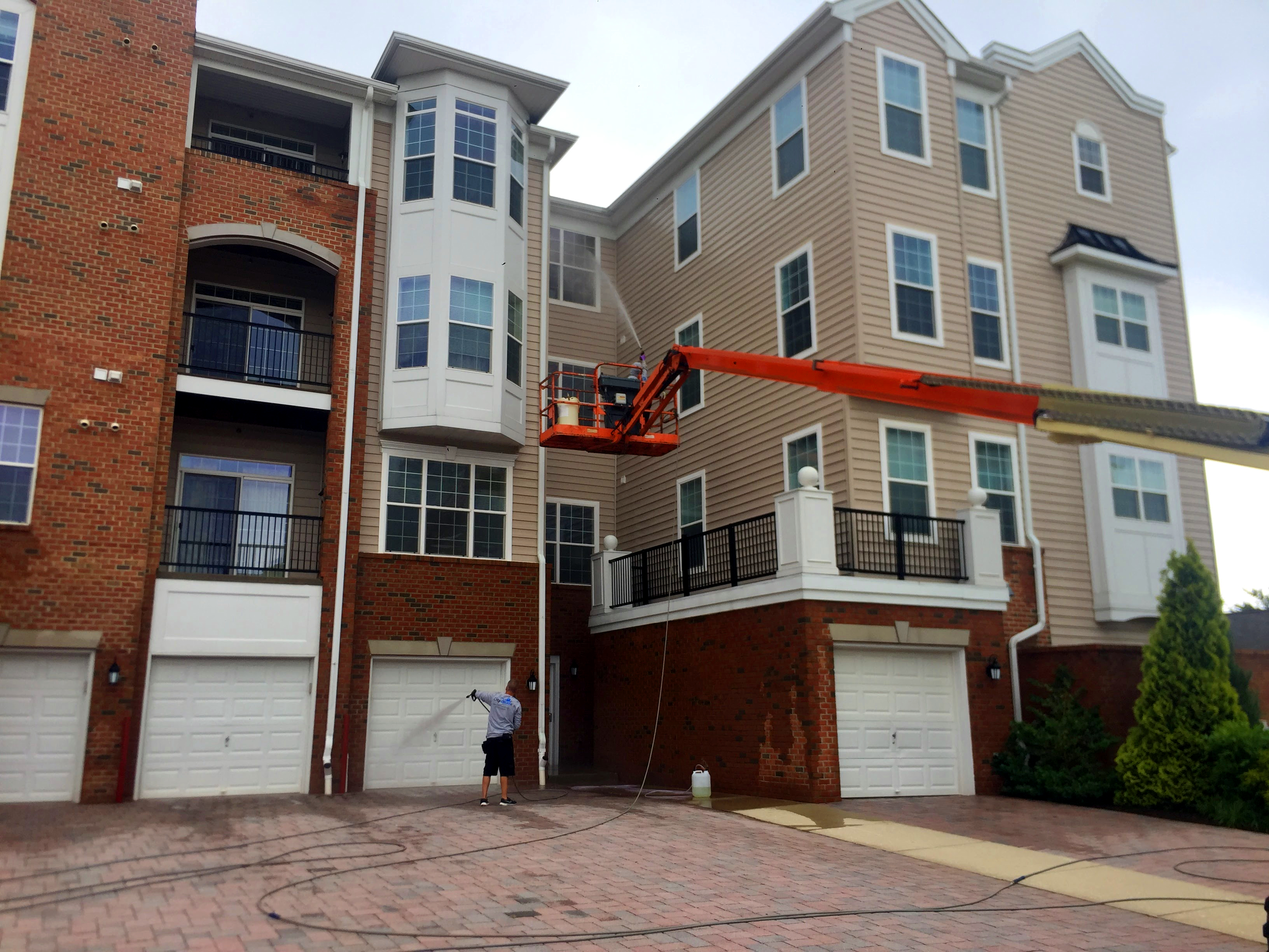 Exterior building washing in Balt, Wash DC, Annap and Central MD